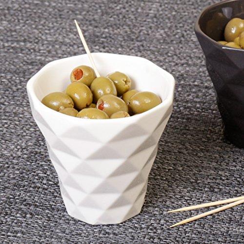 Blanc contemporain Diamond Cut Gobelet en céramique. Idéal pour boire, servir Petits goûters ou amuse-bouches. Un Excellent Cadeau de Pendaison. H8 X Jante W8.5 cm W4.5 cm de base.