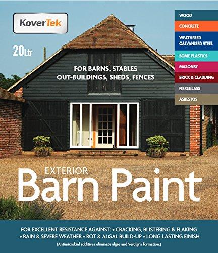 exterior-profesional-de-pintura-imprimacion-en-una-para-madera-graneros-mamposteria-establos-vallas-