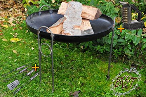MASSIV Kaminfeuer; Premium-Feuerschale XXL ca. 80 cm D / 88-90 cm breit für Grill, Camping, Garten Lagerfeuer, Stahl LEICHT UND FORMSTABIL, sowie 2 Griffen+Bürste und Besteck