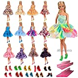 Miunana 5 Set Abendkleid Kleider Kleidung + 5 Paar Sandalen + 5 Kleiderbügel für Barbie Puppen Doll Partygeschenke