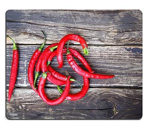 liili Tapis de souris Tapis de souris en caoutchouc naturel image d'identité 33146712Fresh Red Hot Chili Peppers sur une table en bois vintage