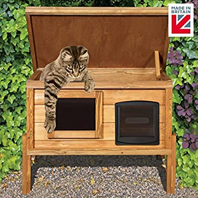 The Hutch Company Self Heating Outdoor Cat House Kennel with One Way Privacy Window Fully Assembled