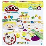 Apprenez les lettres de l'alphabet avec ... de la pâte à modeler ! Accessible à partir de 2 ans, ce coffret possède bien des avantages. Comme tous les produits Play-Doh, il encourage l'enfant à développer sa créativité et sa motricité fine en manipul...