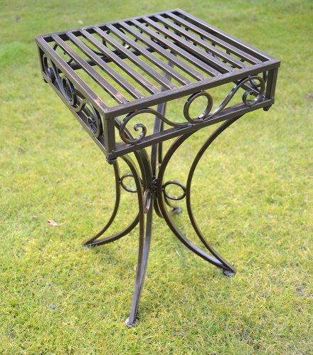 olive-grove-versailles-metal-garden-side-table-or-plant-stand-in-antique-bronze-finish