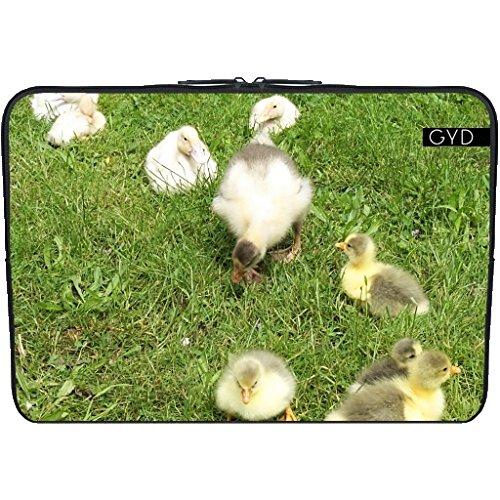 """Coperchio Neoprene Laptop Netbook PC 15.6 """"pollici - Cuccioli Carino, Piccole Anatre by Marina Kuchenbecker"""