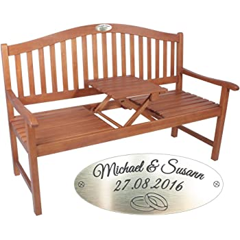 Gartenbank mit Tisch zum Hochzeitstag mit Gravur Braun - formschöne Holzbank - personalisierte gravierte Bank aus Eukalyptus-Holz als Hochzeitstags-Geschenk