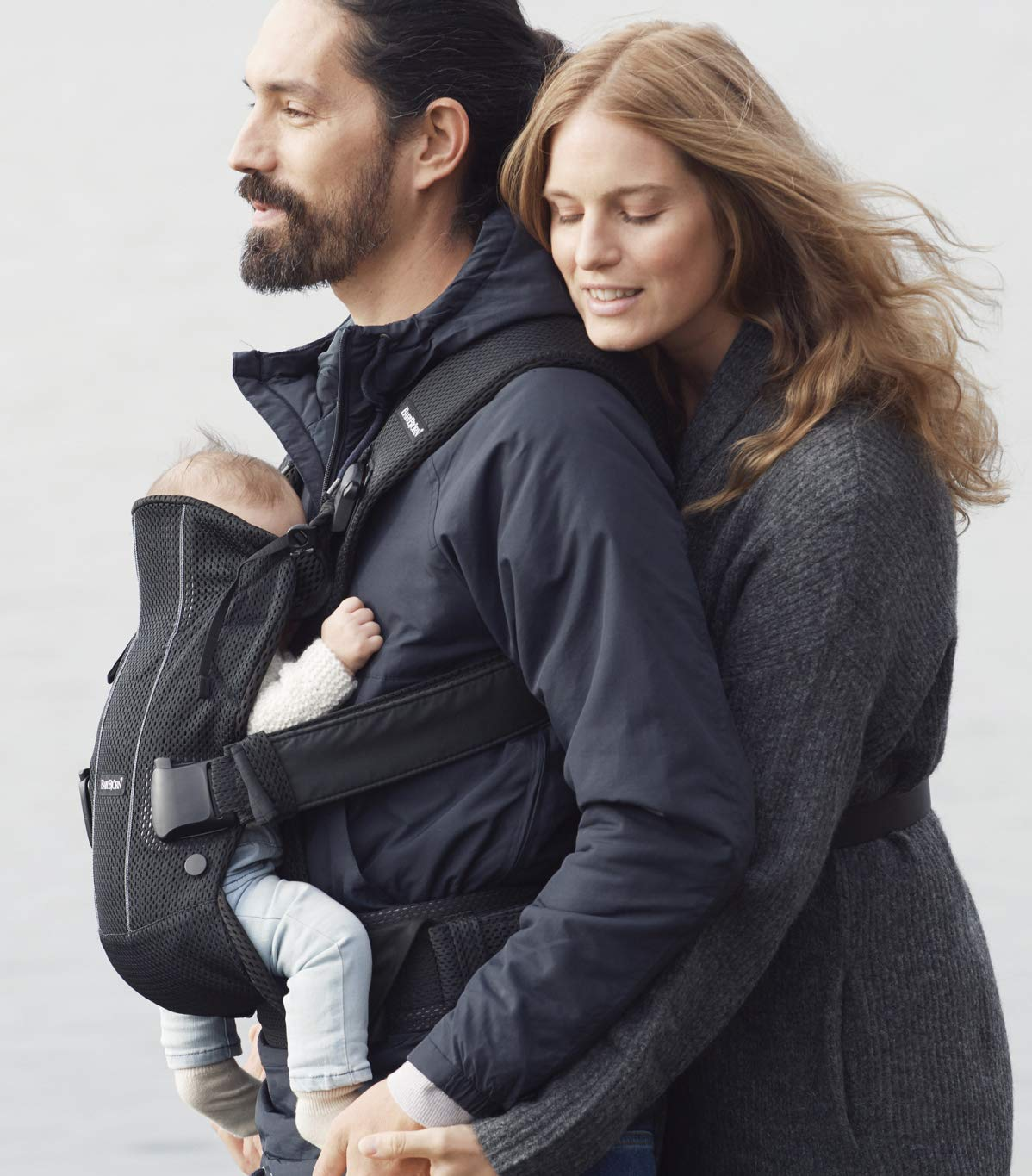BABYBJÖRN Baby Carrier One Air, 3D Mesh, Black, 2018 Edition Baby Bjorn The latest version (2018) with soft and breathable mesh that dries quickly Ergonomic baby carrier with excellent support 4 carrying positions: facing in (two height positions), facing out or on your back 8