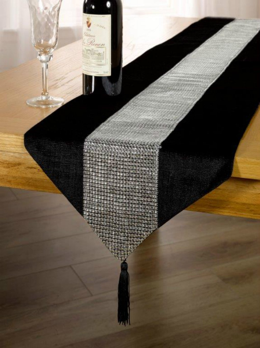 Table runners for