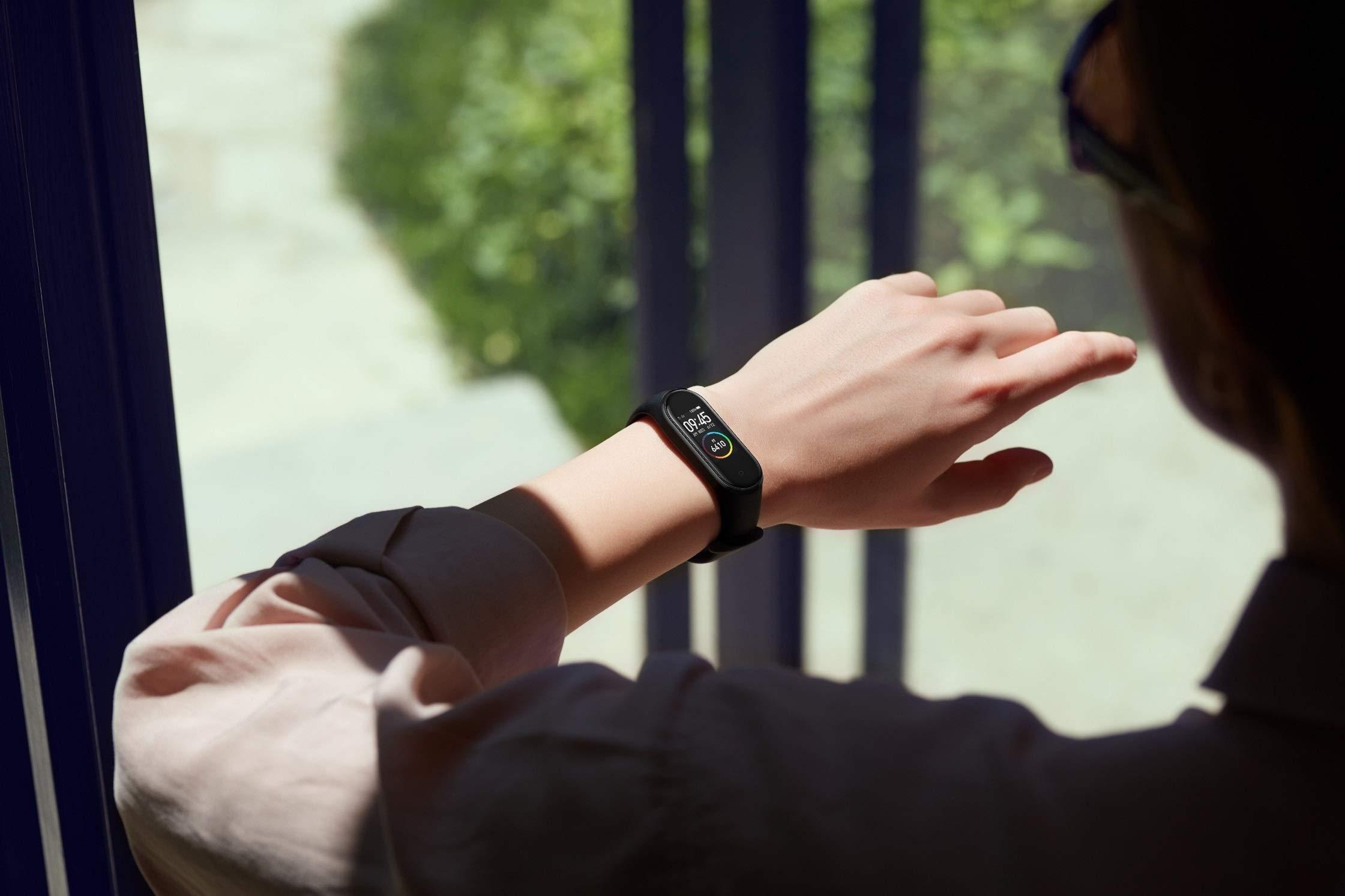 Xiaomi Mi Smart Band 4 – Tracker de actividad física con medidor de frecuencia cardíaca – Negro – Unisex