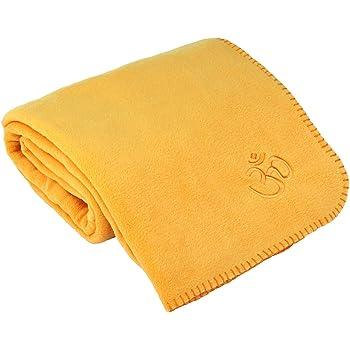 Yogadecke ASANA BLANKET, Kuscheldecke für Shavasana, Fleecedecke mit OM-Stickerei,140 x 200cm, safran-gelb