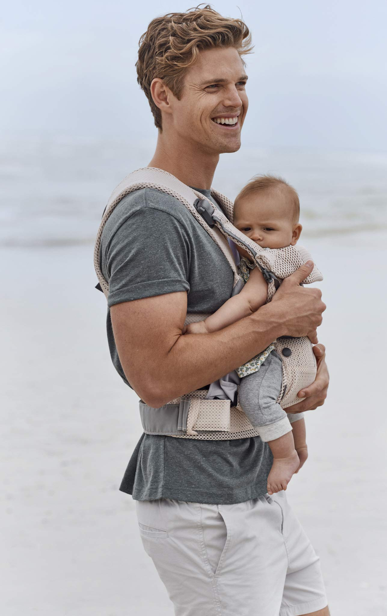 BABYBJÖRN Baby Carrier One, Cotton Mix, Black, 2018 Edition Baby Bjorn The latest version with soft and breathable mesh that dries quickly Ergonomic baby carrier with excellent support 4 carrying positions: facing in (two height positions), facing out or on your back 7