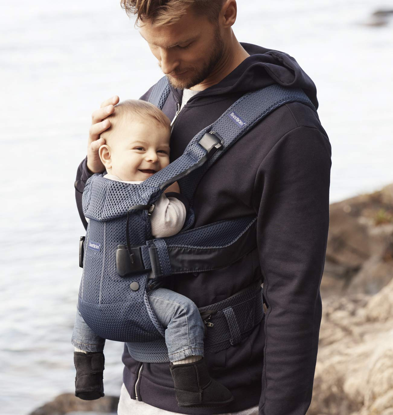 BABYBJÖRN Baby Carrier One Air, 3D Mesh, Navy Blue, 2018 Edition Baby Bjorn The latest version (2018) with soft and breathable mesh that dries quickly Ergonomic baby carrier with excellent support 4 carrying positions: facing in (two height positions), facing out or on your back 6