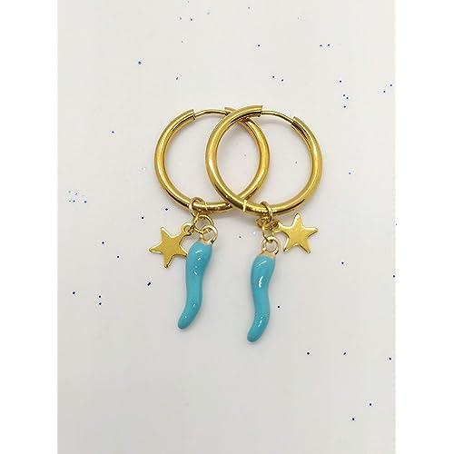Orecchini a cerchio in acciaio realizzati a mano colore oro e ciondolo cornetto azzurro portafortuna e stellina dorata.