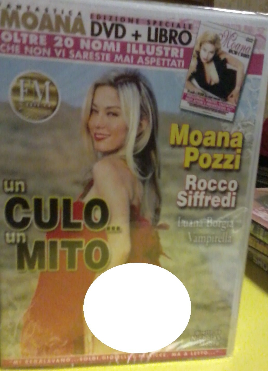 Moana - Un Culo... Un Mito - An Ass... A Myth [DVD + Book] (Nicholas Moore - FM Video)