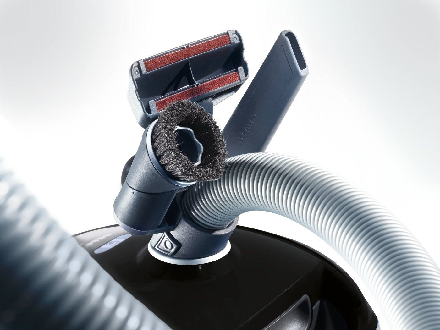 Miele Compact C2 Allergy EcoLine Bodenstaubsauger (mit Beutel, 3, 5 Liter Staubbbeutelvolumen, 550 Watt, 11 m…