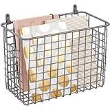 mDesign Wiszący kosz do przechowywania – duży koszyk z drutu metalowego – wielofunkcyjny organizer na przedmioty gospodarstwa
