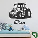 DESIGNSCAPE® Wandtattoo Traktor mit Wunschname | Wandtattoo Junge Kinderzimmer 60 x 40 cm (Breite x Höhe) grasgrün DW808182-S-F27