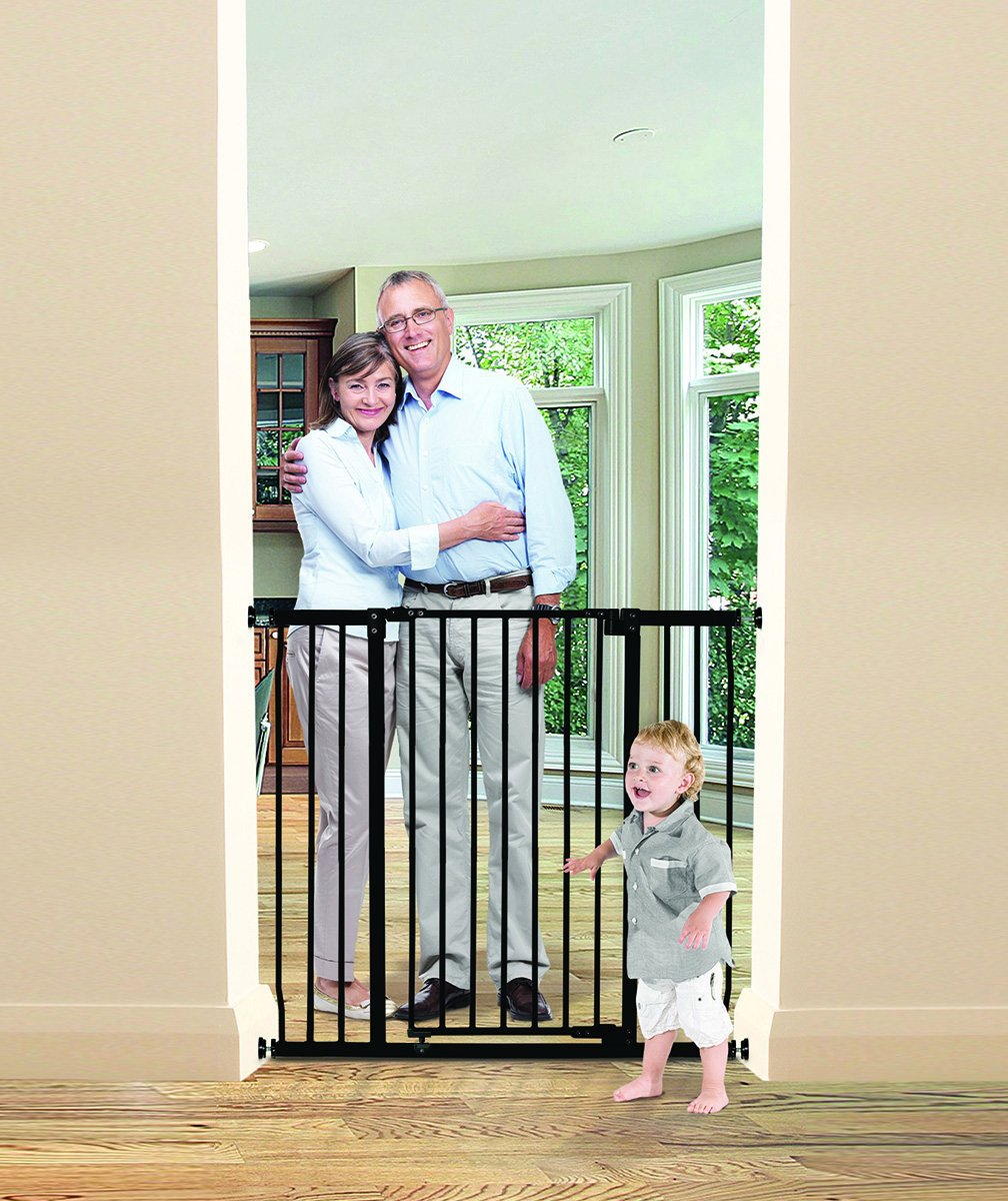 Dreambaby Liberty Xtra-Tall & Wide Safety Gate (Fits 99cm-106cm) Black Dreambaby MEASURE YOUR OPENING BEFORE PURCHASING - This gate ONLY fits openings 99 to 106 cm. It will not fit any opening smaller than 99 cm. If your opening is larger than 106 cm you will require an additional purchase of an extension. VERSATILE AND DEPENDABLE- Our Dreambaby Liberty gate is loaded with features to not only help make your life easier but safer too. Versatile indeed, it can accommodate openings of 99 to 106 cm wide and is 93 cm tall. Using optional extensions sold separately, the gate can be extended up to 306 cm. ONE HANDED OPERATION - The One-Handed operation is fantastic for times when you're holding your child and the double locking feature ensures extra security to help keep your child safer. 4
