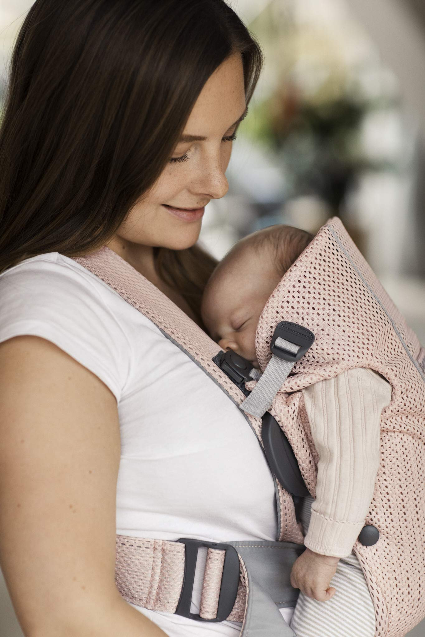 BABYBJÖRN Baby Carrier Mini, 3D Mesh, Pearly Pink Baby Bjorn Perfect first baby carrier for a newborn Small and easy to use 3D Mesh - Cool and airy mesh fabric, with an incredibly soft inner layer next to your newborn's skin 8