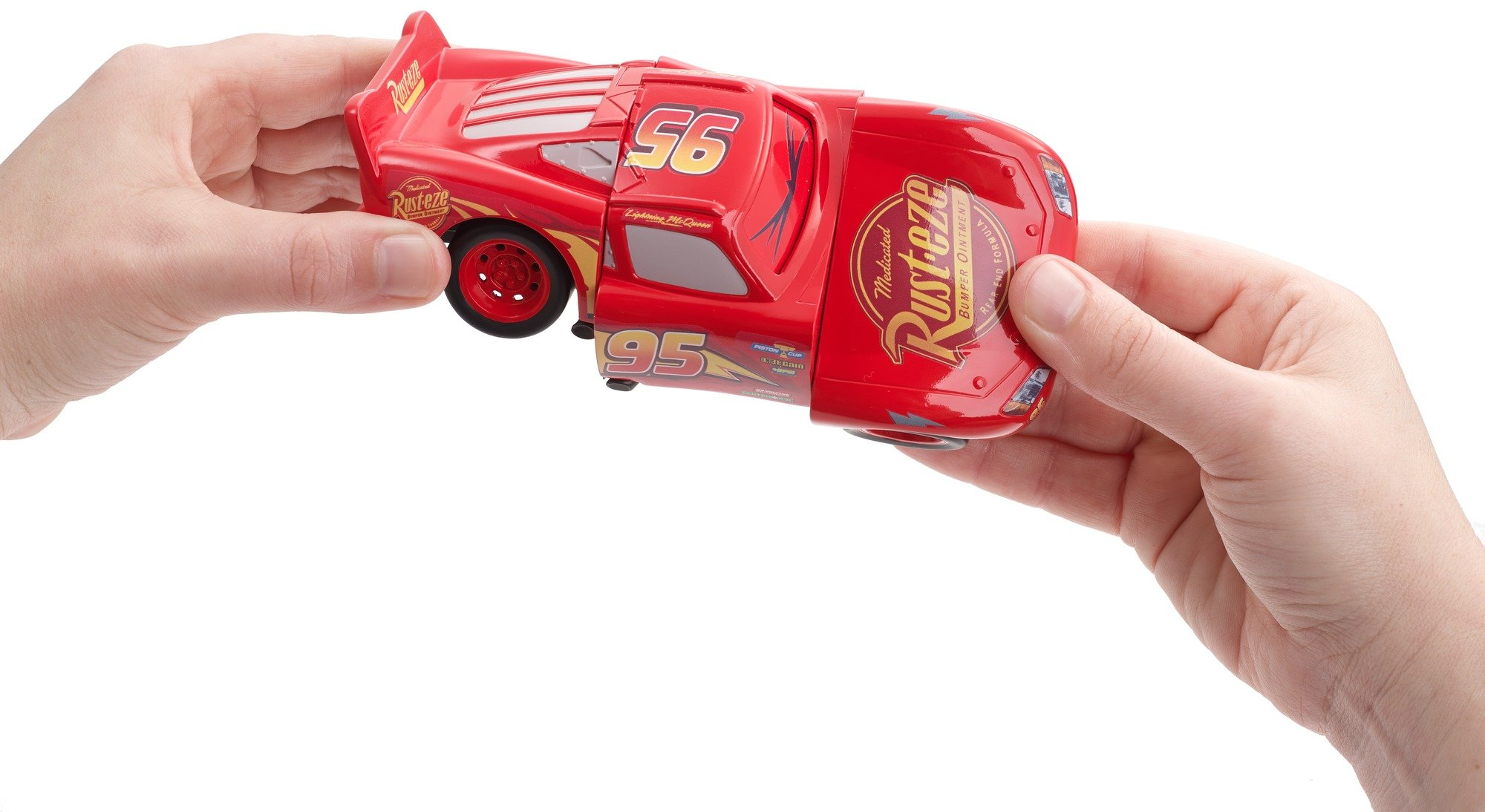 Disney DYW39 Pixar Cars 3 Race and Reck Lightning McQueen Vehicle Disney New Disney Pixar Cars 3 Twisted Crashers vehicle.  His body twists and his eyes change after the crash!  Restore him to his former; pre smash glory by simply twisting the car back into place! 7
