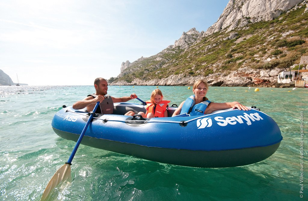 Sevylor Inflatable Boat Caravelle K85, 3 man Dinghy, Inflatable Pool Beach Toy, 268 x 138 cm, built in Motor Mount Fittings for Electric Motor
