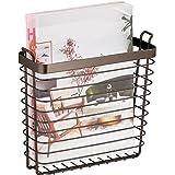 mDesign Revistero metálico para colgar – Moderno organizador de pared en metal para guardar periódicos – Elegante cesta para