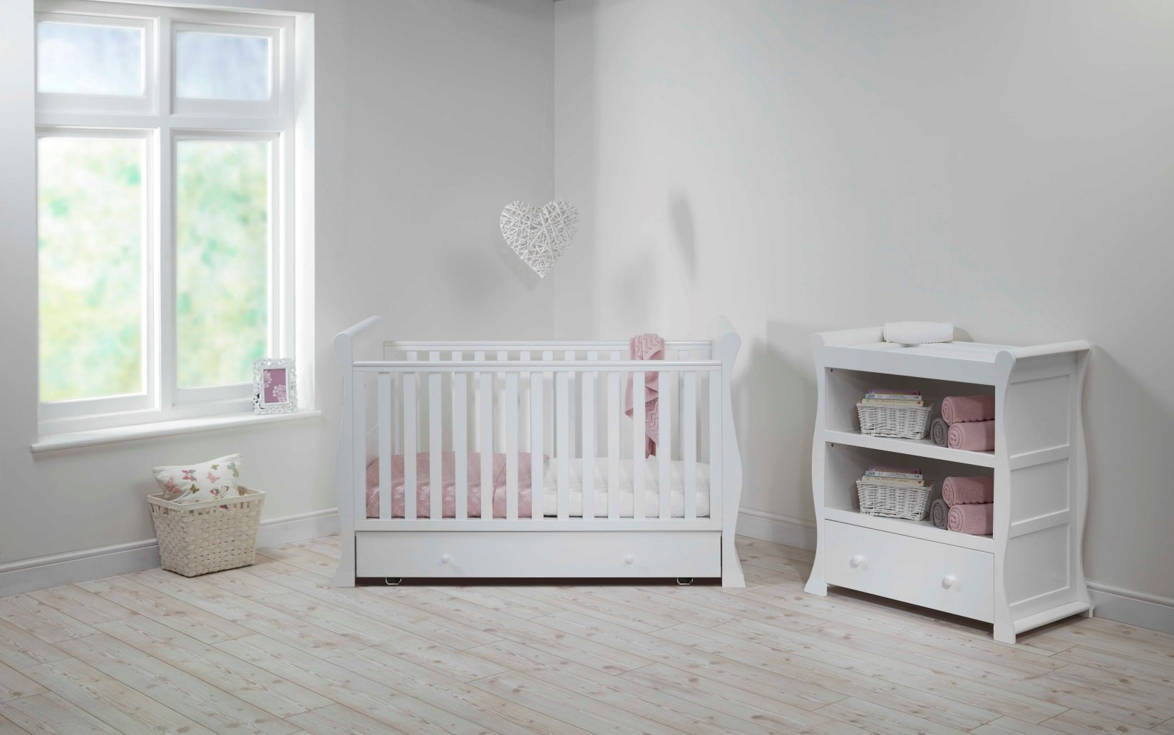 East Coast Kensington Sleigh Cot Bed and Dresser with Moses Basket East Coast  1