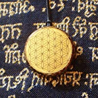 Fiore della vita Flower of life Orgonite® Shungite pendant aura protect