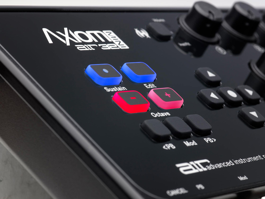 Audio axiom air mini 32 ultra portable 32 key usb midi keyboard