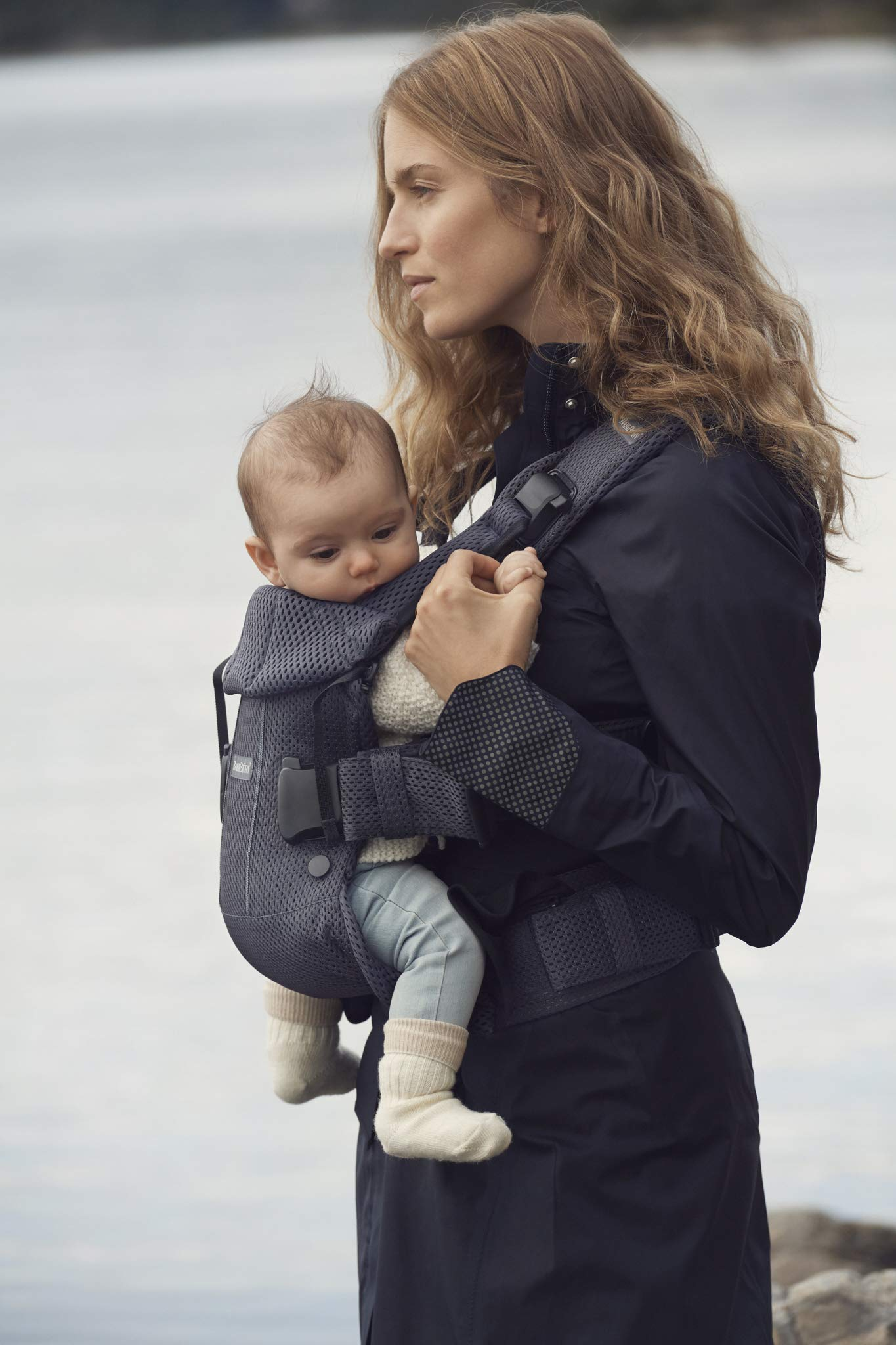 BABYBJÖRN Baby Carrier One Air, 3D Mesh, Anthracite, 2018 Edition Baby Bjorn The latest version (2018) with soft and breathable mesh that dries quickly Ergonomic baby carrier with excellent support 4 carrying positions: facing in (two height positions), facing out or on your back 5