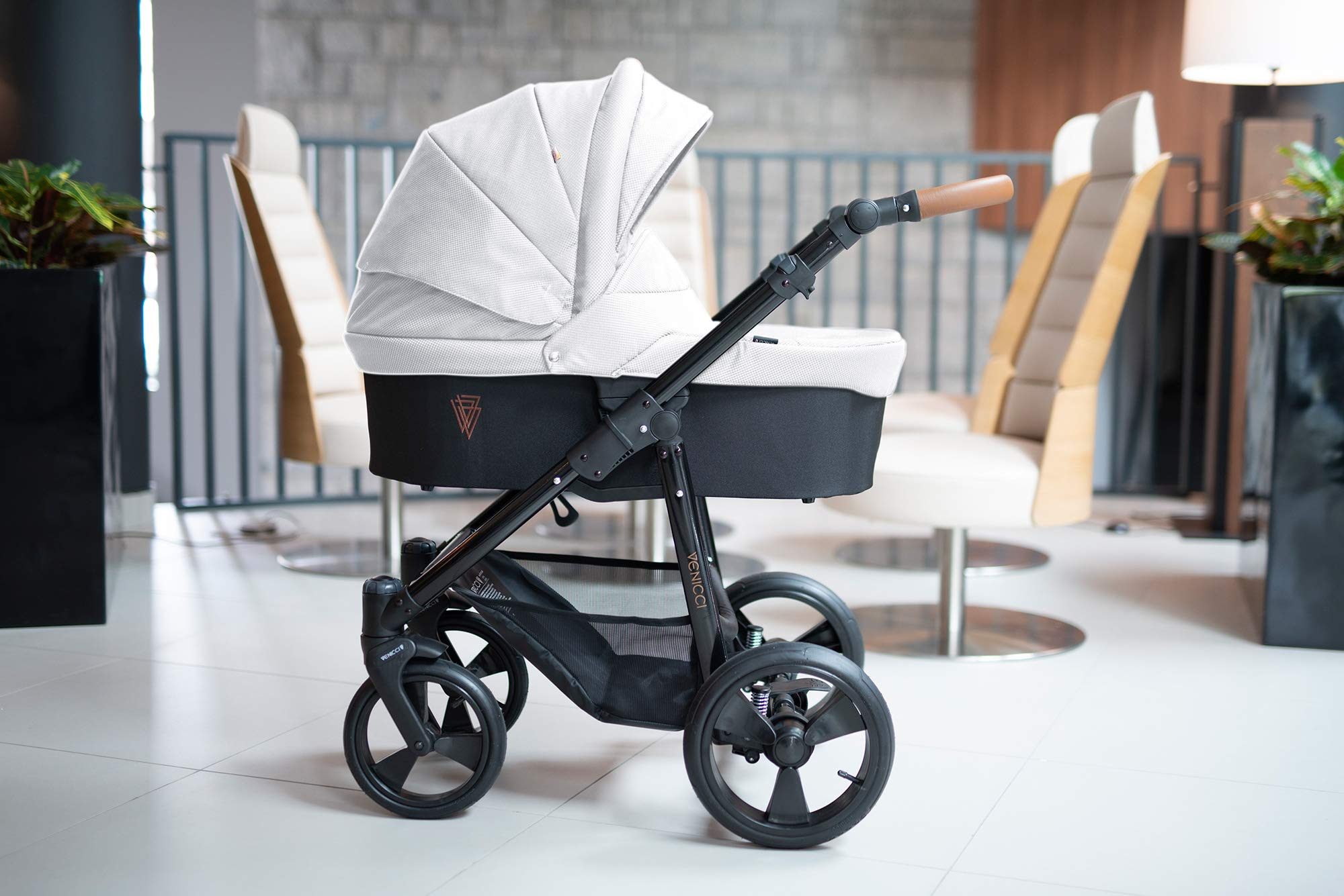 Venicci Gusto 2-in-1 - Ecru Travel System Venicci Also includes: Changing bag, Apron, Rain cover, Mosquito Net, Cup holder Carrycot: L 102cm W 61cm H 112 cm Age suitability: From birth to 6 months Seat unit: L 95cm W 61cm H 112cm Age suitability: From 7 to 36 months 2