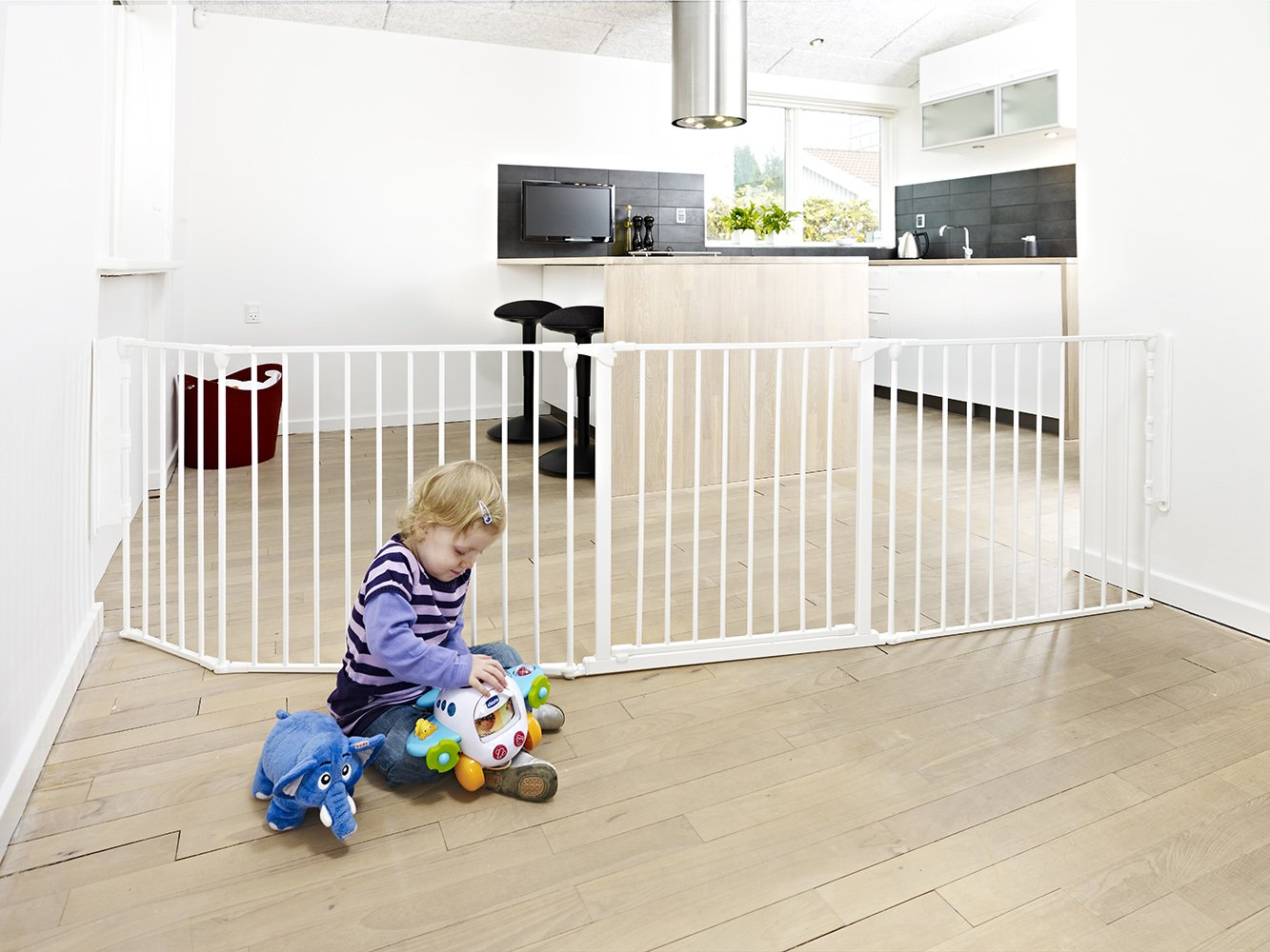 BabyDan Configure (Large 90-223cm, White)  Only configure system fulfilling newest European safety standard Multi purpose room divider and gate for wider openings Flexible and easy to fit 5