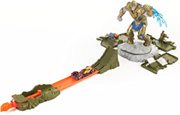 Hot Wheels Marvel Avengers Vs Thanos Showdown Play Set