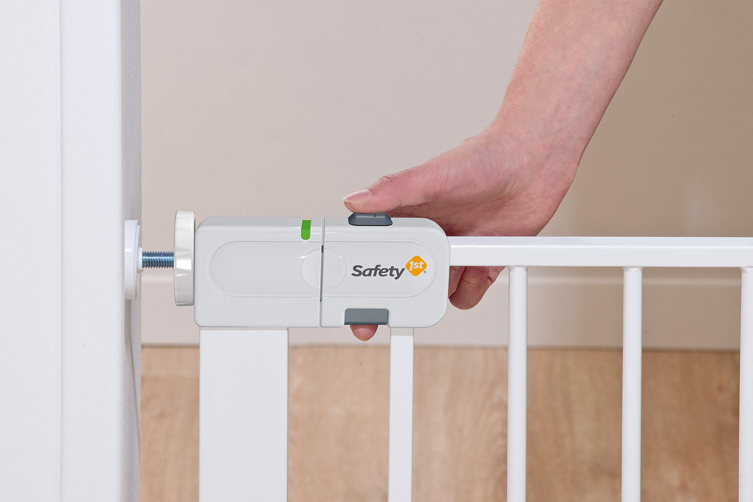 """Safety 1st Secure Tech Auto Close Metal Gate, White Safety 1st One handed opening """"true"""" auto-closing whatever the opening amplitude U-shaped frame with 4 pressure points provides solid fit and doesn't require drilling Secure tech indicator shows the gate is safely locked into place 8"""