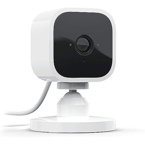 Blink Mini - Videocamera di sicurezza intelligente per interni, plug-in, compatta, con video in HD a 1080p, rilevazione di movimento, compatibile con Alexa – 1 videocamera