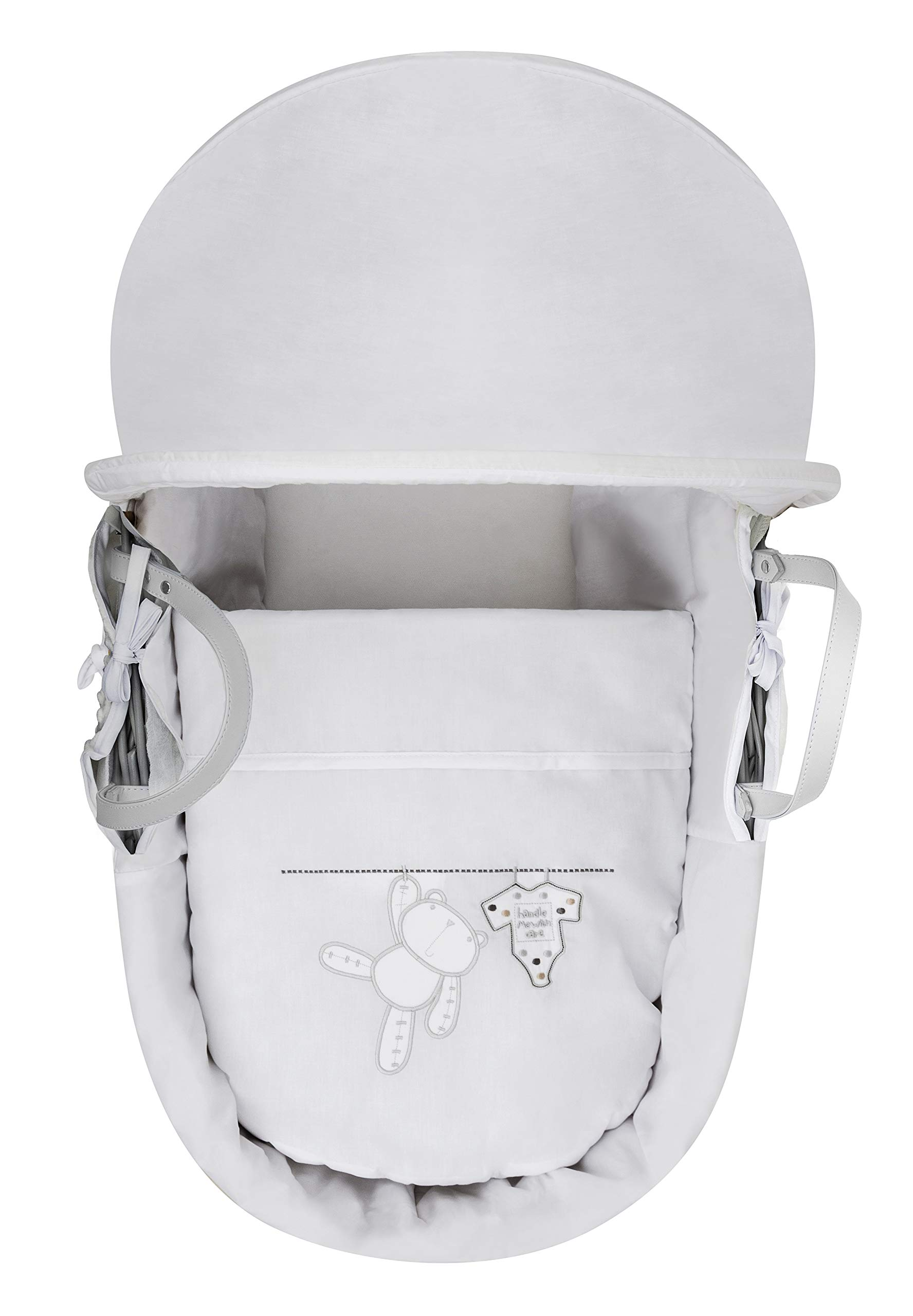 White Teddy Wash Day Moses Basket, Deluxe Rocking Stand and Honeycomb Blanket Bundle Deal Elegant Baby Stylish Elegant Baby Exclusive moses basket Opulent cotton blend fabric with a luxurious soft padded surround Baby Essentials Bundle containing hooded towel, fleece blanket and cellular blanket 3