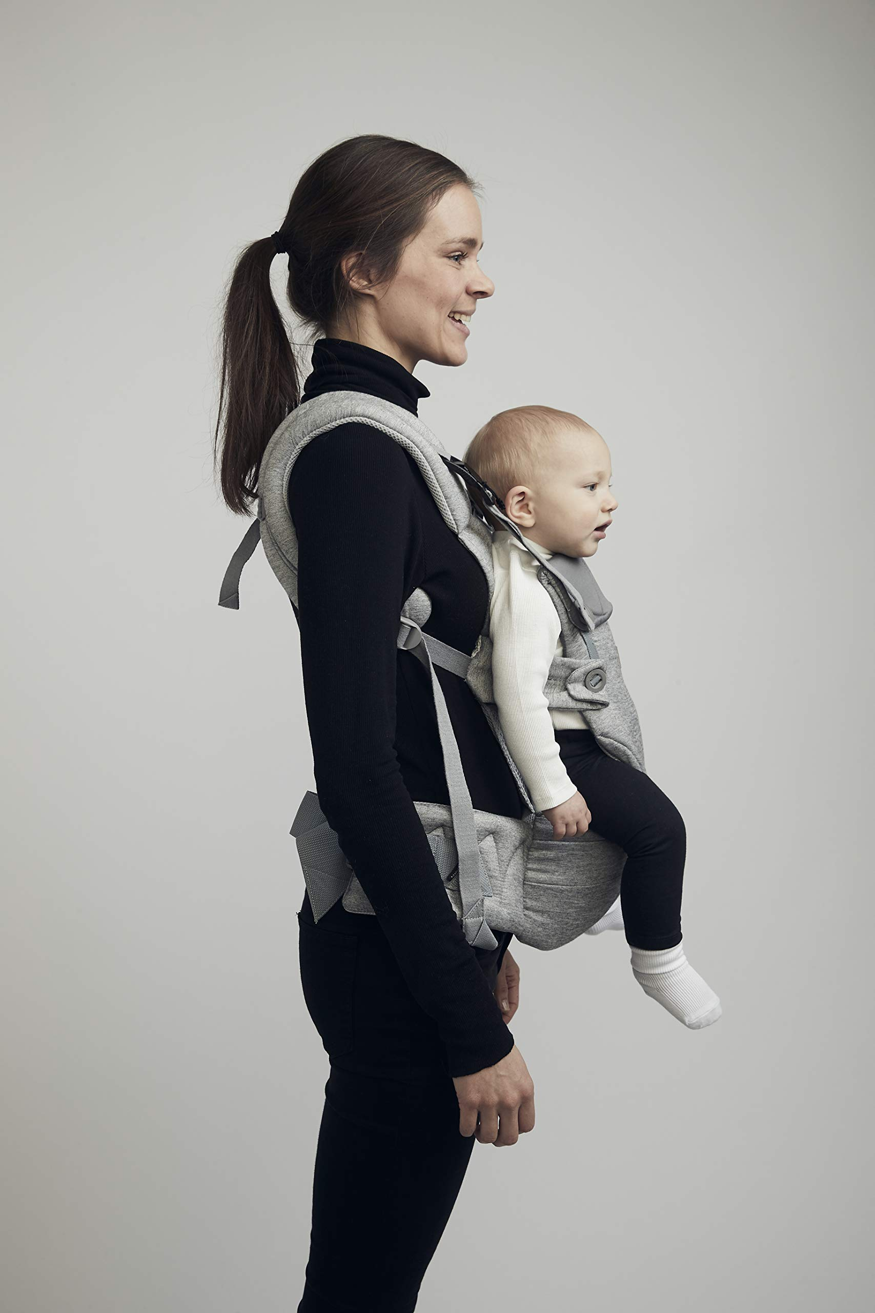 Najell Omni Active Mesh Baby Carrier with Hip Seat, Brilliant Black Béaba New-born ergonomic position and hips seat from 6 months. Market leading weight distribution with hip seat, recommended by the international hip dysplasia institute as a hip-healthy baby carrier Weight: 3, 5 to 15 kg and age: new-born to 3 years. 21