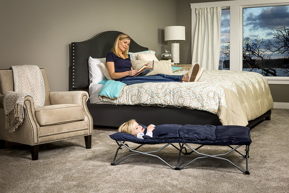 Regalo My Cot Deluxe, with Sleeping Bag, Navy Regalo Portable fold and go system Removable sleeping bag and pillow Includes Carry Case 6
