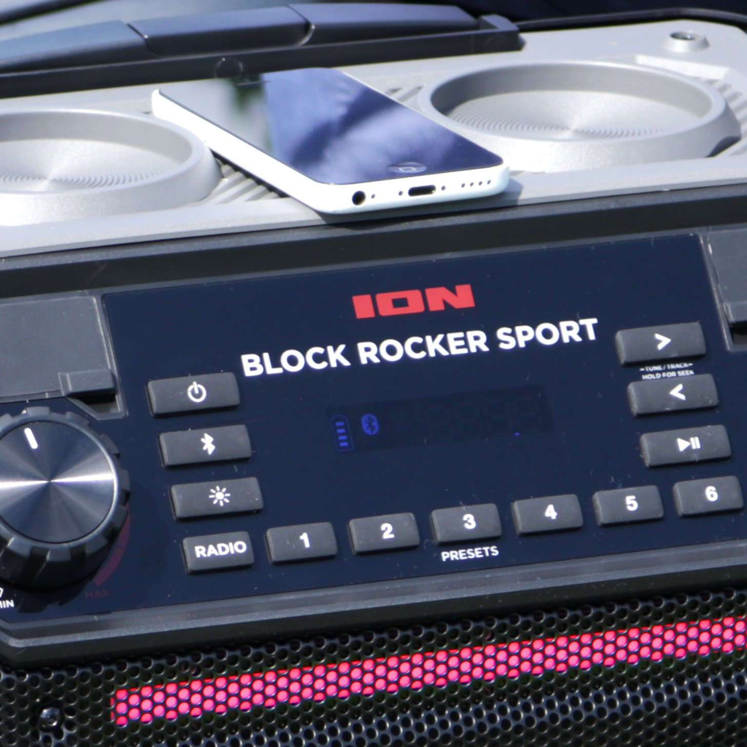 ION Audio Block Rocker Sport - 100Watt Bluetooth Party Lautsprecher mit wiederaufladbarem Akku, Mikrofon, Radio, LED…