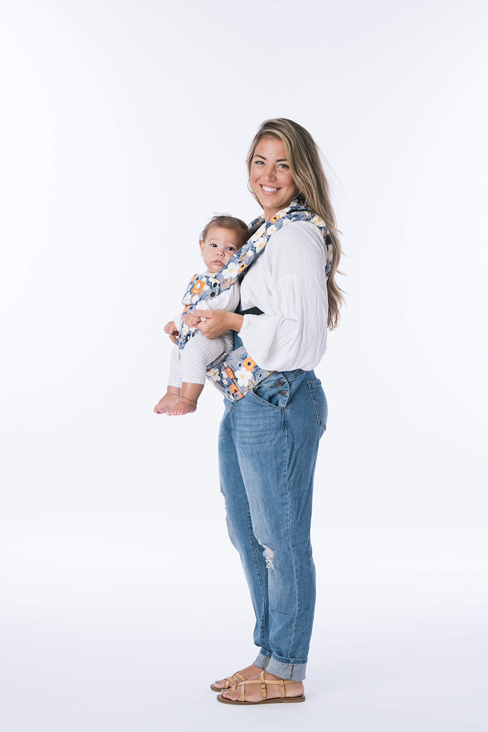 Tula Explore TBCA6F60 French Marigold - Ergonomic and Adjustable Baby Carrier with Front Position Outside Designed to Grow with Your Baby from 3, 2 to 20, 4 kg Without a Baby Cushion Tula Multiple door positions including front out, front inward and back Each position provides a natural and ergonomic position ideal for a comfortable fit that promotes healthy hip and spine development Baby carrier with an innovative main panel with an easy to adjust design in three width settings so it can be used from 3, 2 to 20, 4 kg without the need for a baby cushion. The Explore Baby Carrier has a padded adjustable neck support that can be used in multiple positions to provide head and neck support for newborn or sleeping babies. 4