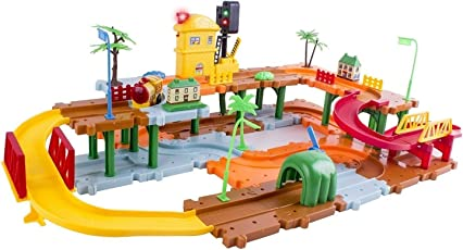 Webby Traffic Light Train Set with Music and Lights, Multi Color
