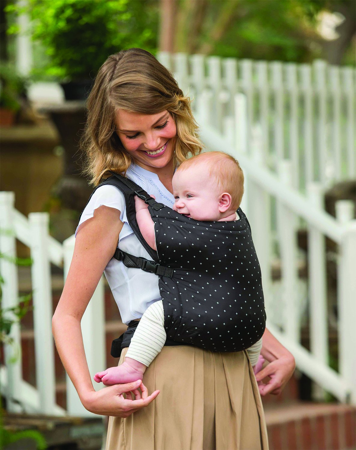 Infantino Zip Ergonomic Baby Travel Carrier, Black Infantino Fully safety tested Travel carrier that unfolds to for safe secure baby wearing Up to 18 kg 4