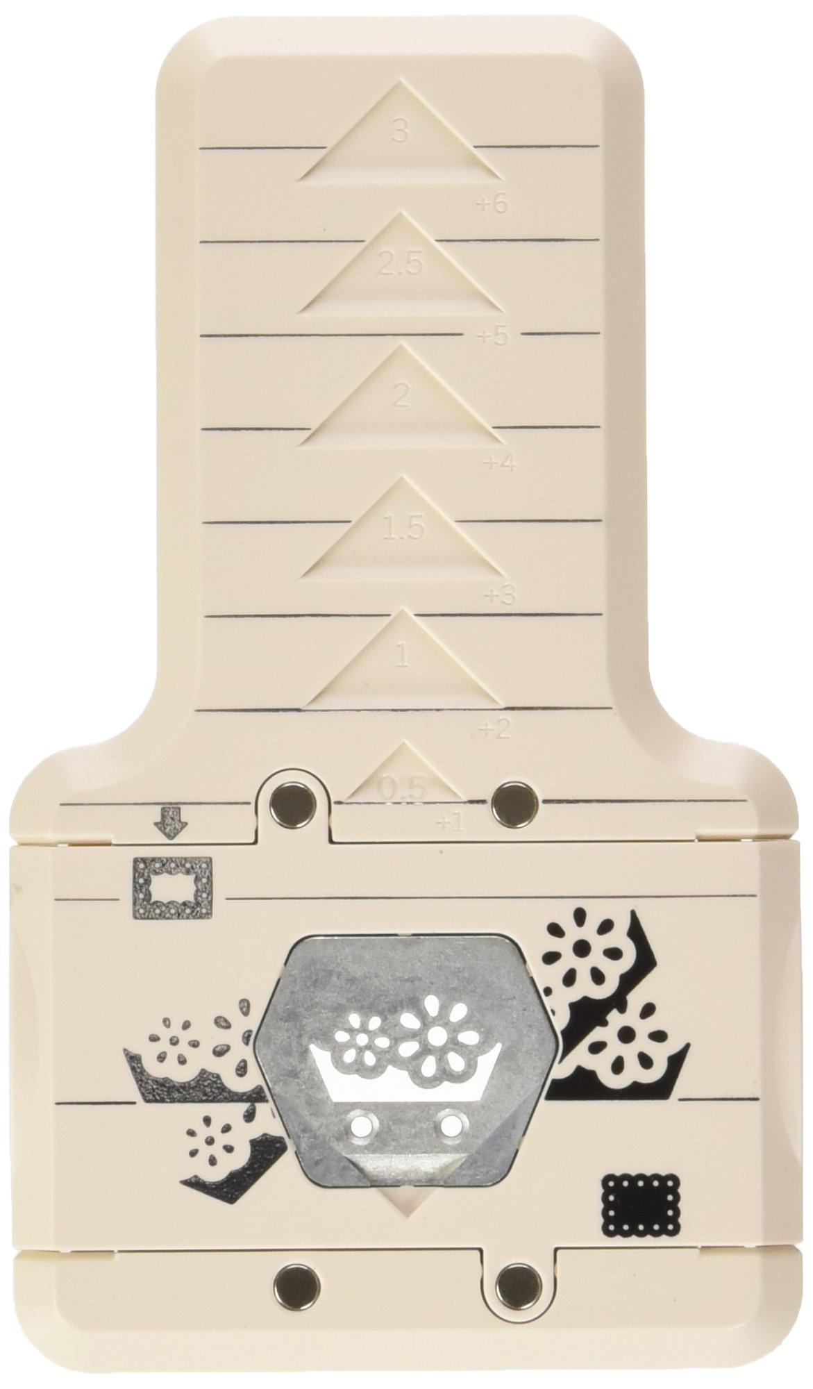 71pFLm9vn1L - Martha Stewart-Cornice in plastica Punzone decorativo per bordi, motivo: fiori di occhielli, per principianti
