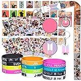Set de regalos para los innumerables fans de BTS: 40 tarjetas lomo BTS / 12 pulseras de silicona BTS / 12 adhesivos BTS / 1 s