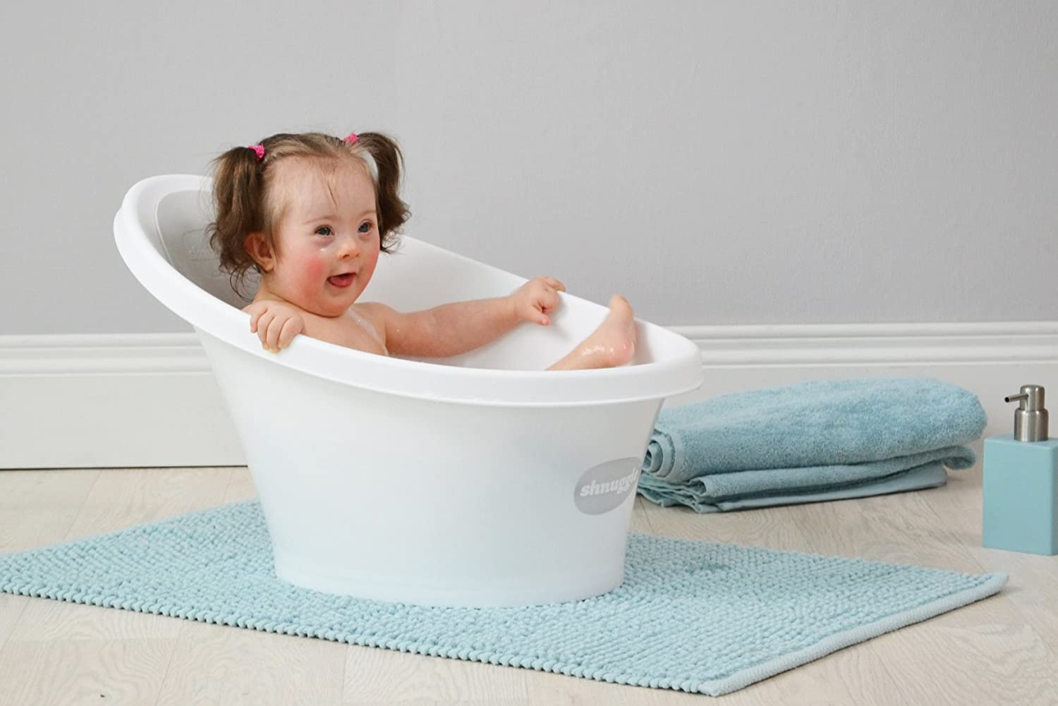Shnuggle Cosy Bath Tub with Bum Bump Support and Foam Backrest ...