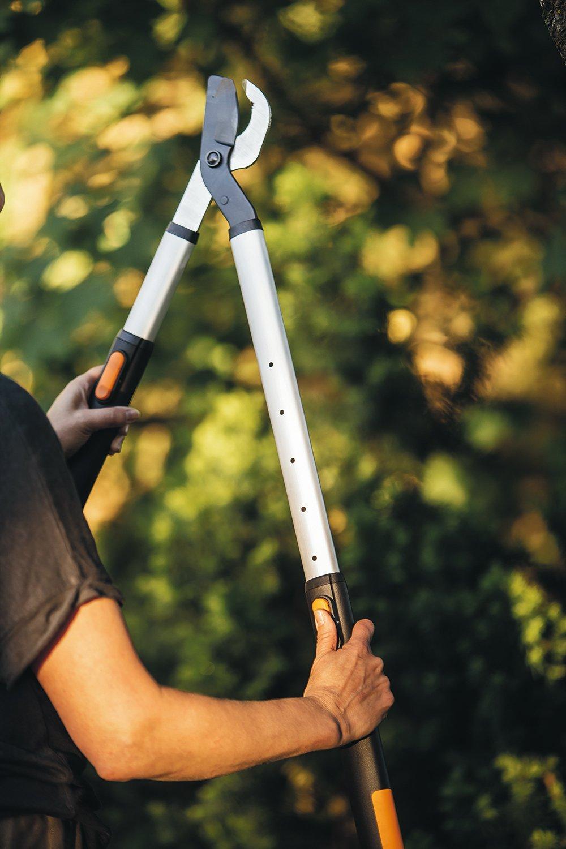 Fiskars Podadera telescópica, Cuchilla bypass SmartFit para madera verde, Ø de corte: 5 cm, Negro/Naranja, 1013564