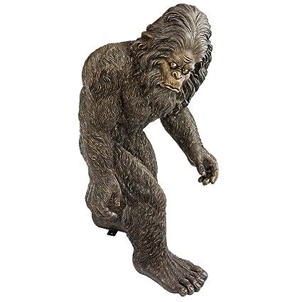 Design Toscano Bigfoot, The Garden Yeti Statue   Medium: Amazon.co.uk:  Garden U0026 Outdoors