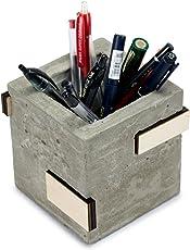 Microstudio - Porta penne in cemento, legno e sughero. L'interpretazione di Microstudio del set da scrivania.