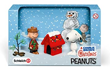 Schleich a charlie brown christmas scenery pack amazon schleich a charlie brown christmas scenery pack voltagebd Choice Image