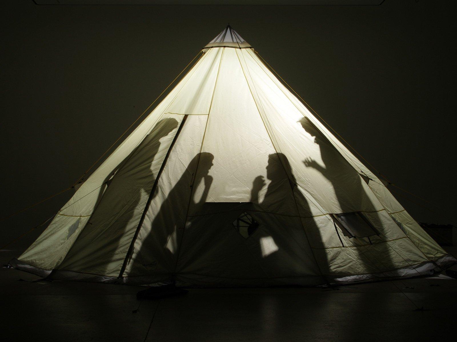 Skandika Teepee 301 Wigwam Style Indiana Tepee Tent, Sewn-In Groundsheet, 300 cm Peak Height, 3000 mm Water Column, Sand/Burgundy, 12-Person 9